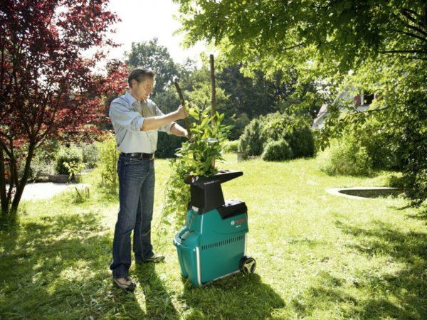 Usitnjivač vrtnog otpada MAKITA UD2500